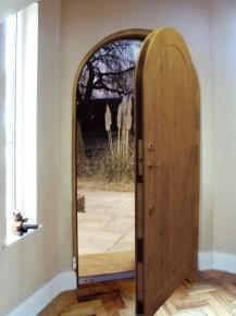 Renkuosi saugias duris